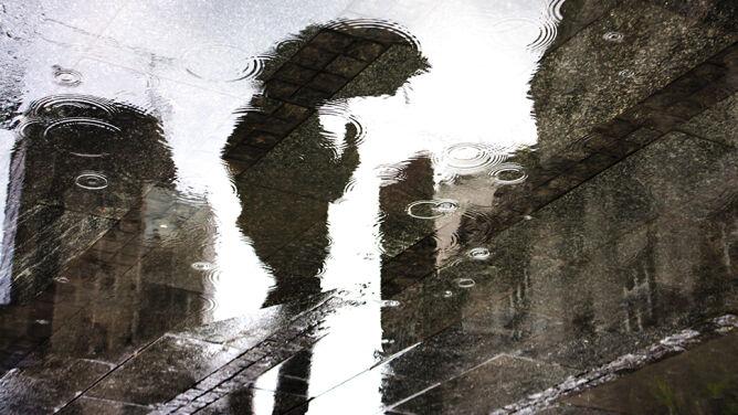 Pogoda na dziś: deszczowy front. Poza tym powieje