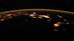 Tak deszcz meteorów wygląda z kosmosu