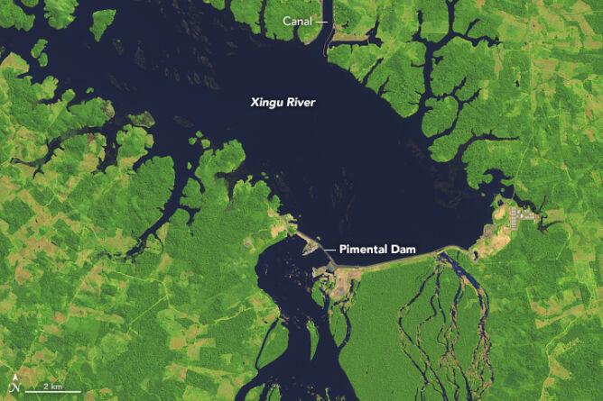 Zapora na rzece Xingu (NASA/Joshua Stevens)