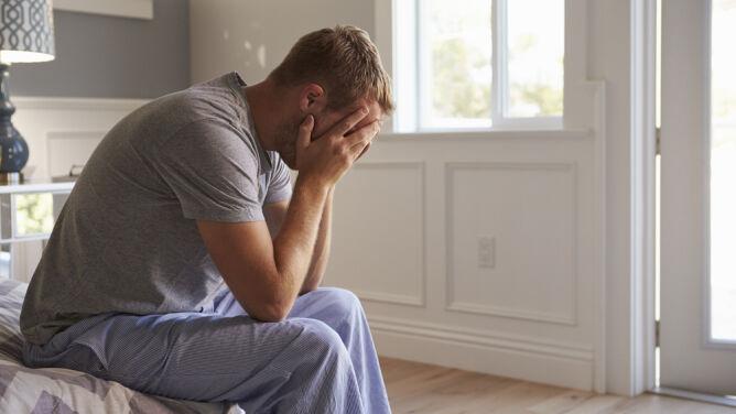 Boimy się, jesteśmy samotni, chorujemy na <br />COVID-19. Ekspert: tak silny stres może mieć konsekwencje także w przyszłości